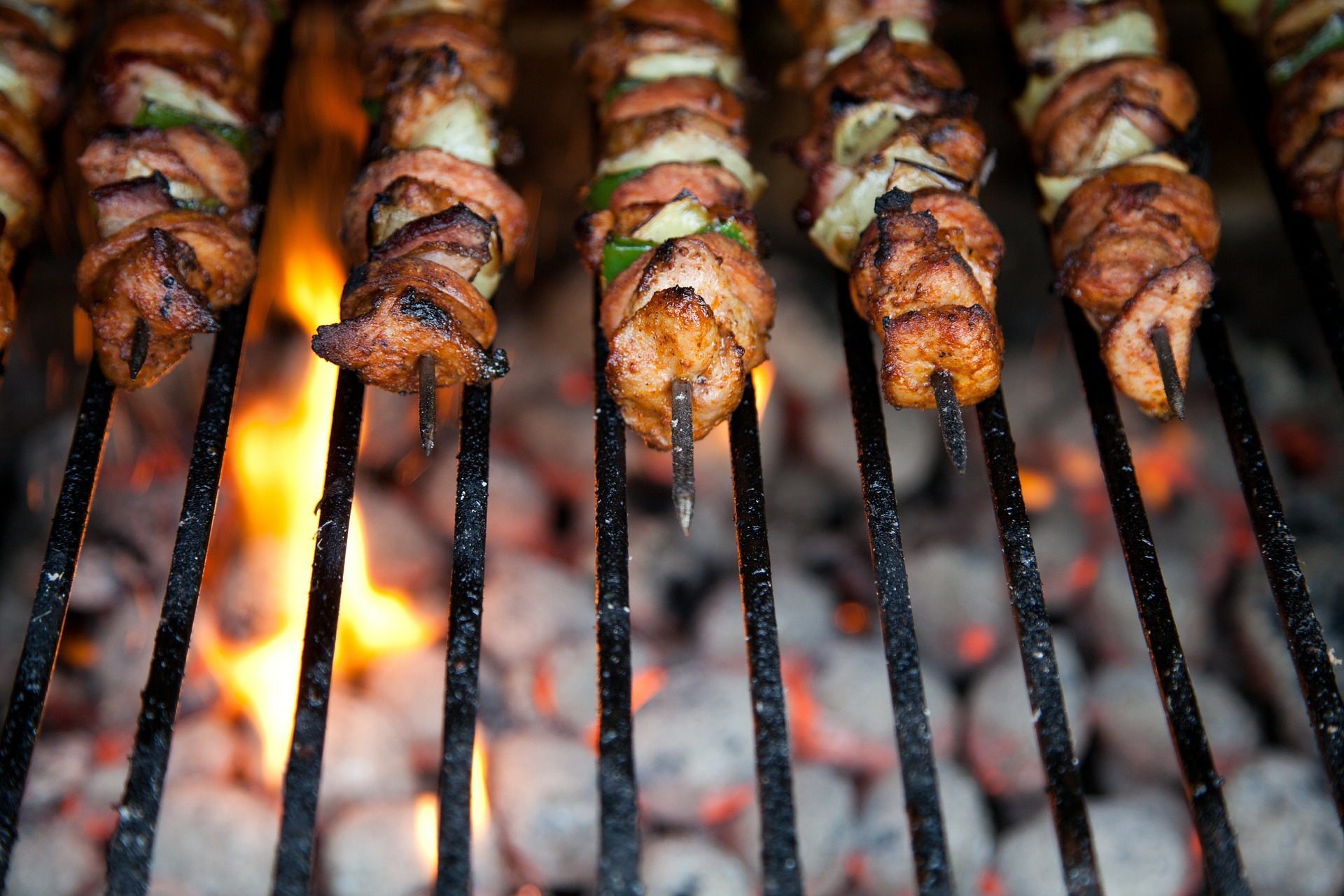 Roasting Vs Grilling: Everything You Need To Know